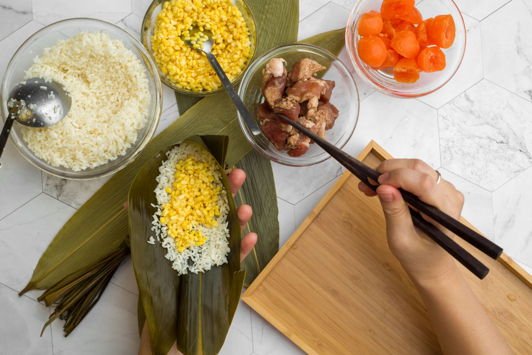 how to make Cantonese-style rice dumplings with kids